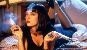 pulp_fiction_girl_mia_wallace_uma_thurman_pistol_smoke_cigarette_3533_3840x2160