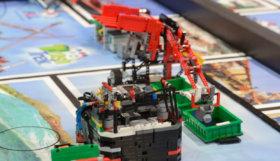 rob-com-peas-de-lego-960-x-450